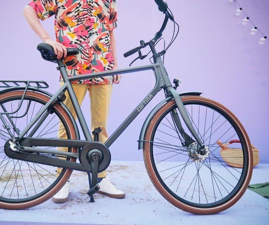 Paris, Holland Bikes lance ses Abonnements Entretien vélo
