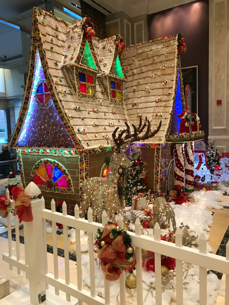 Harrah's Gingerbread house