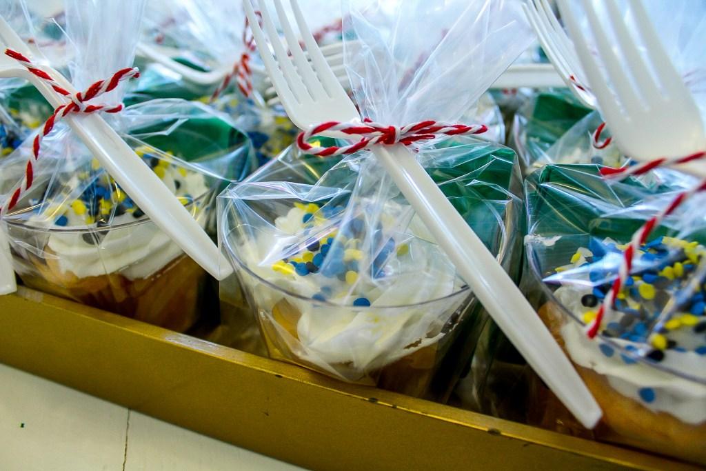 Individual cakes for birthday parade