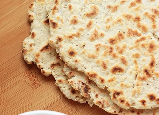 Chlebek naan na jogurcie greckim