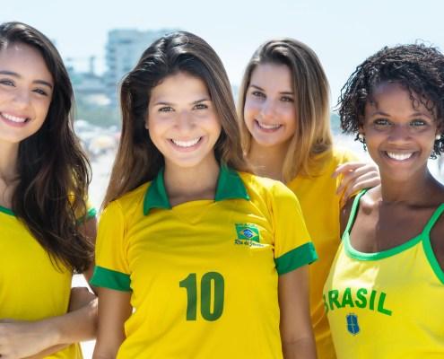 Braziliaanse vrouwen in voetbaltenue