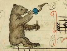 Niedźwiedź grający na Platerspiel i klaskankach.