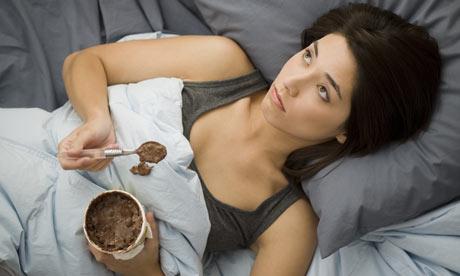 ice-cream-in-bed-001