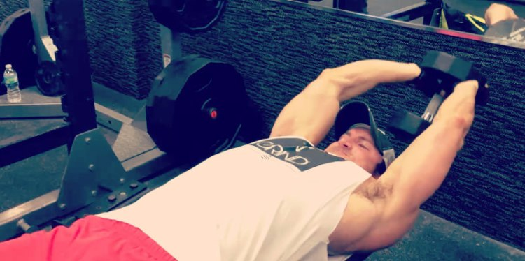 dumbbell-pullover-superset-close-grip-incline-pushup
