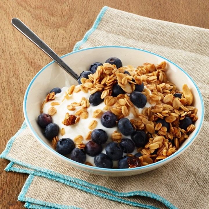 Greek Yogurt with Blueberries and Granola