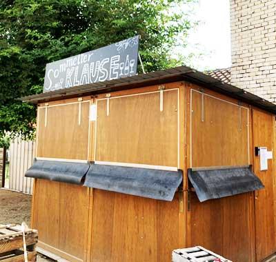 """Wein-Selbstbedienungstation 24/7 """"Sommelier Klause"""" beim Weinhaus Barth in Lonsheim (Bild: Volker Barth)"""