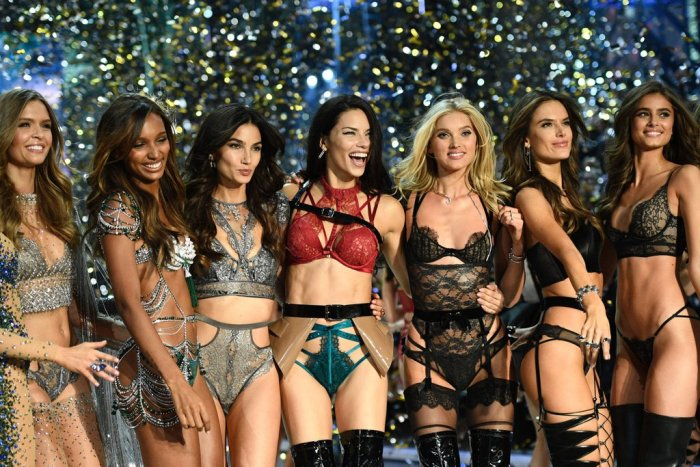 victoria secret fashion show angels