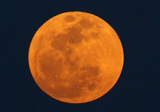 120505-supermoon-AP120505172003_620x433