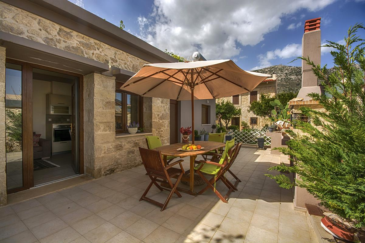 Traditional Stone Cottage in Archanes, Sleeps 3
