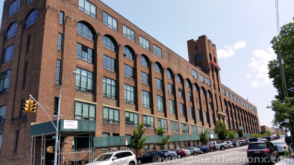 The Banknote building as of July 2014 / ©welcome2thebronx.com