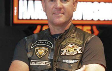 motociclista-com-36-anos-de-experiencia-lanca-livro-na-vitoria-harley-davidson