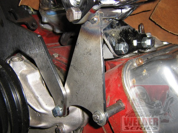 Paul used various Welder Series brackets to install an alternator on his Hemi.