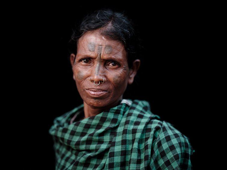 Langia Saora Woman