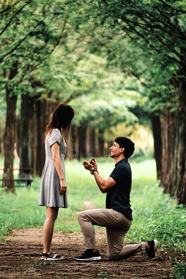 Zion Proposes to Miya at Haneul Park, Seoul