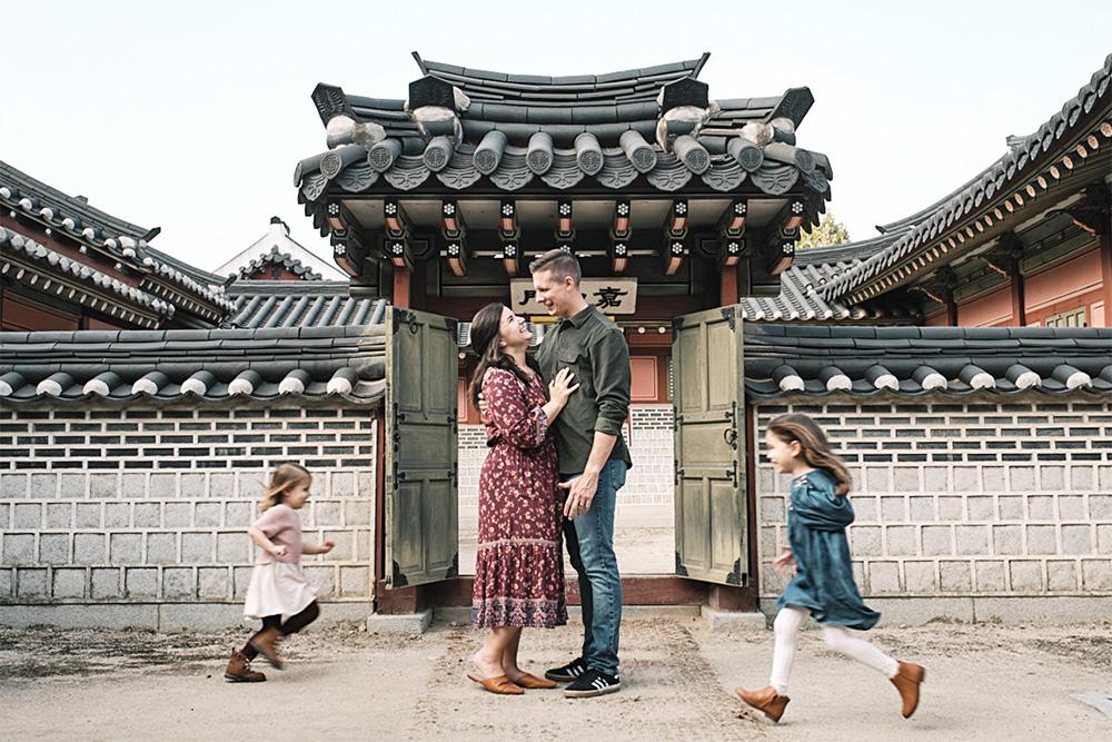 The Chaos of Family - Family Photo Shoot - McKeegan Suwon Haenggung