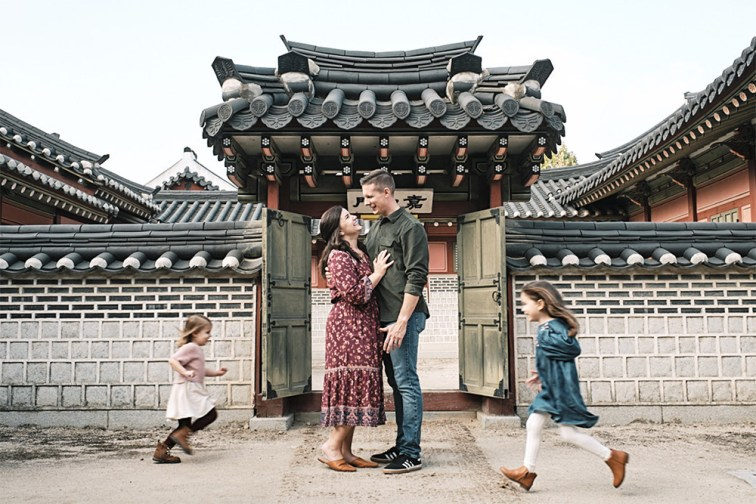 The Chaos of Family - Family Photo Shoot - McKeegan Suwon Haenggung