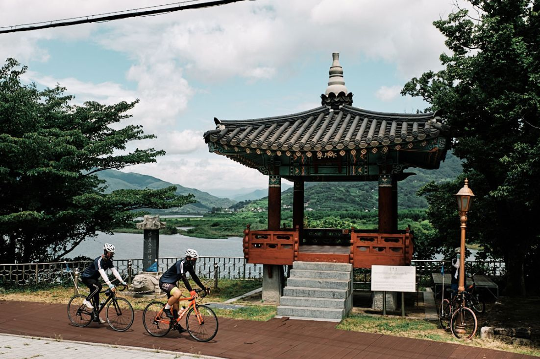 Seomjin River Rest Stop - Cycling Korea