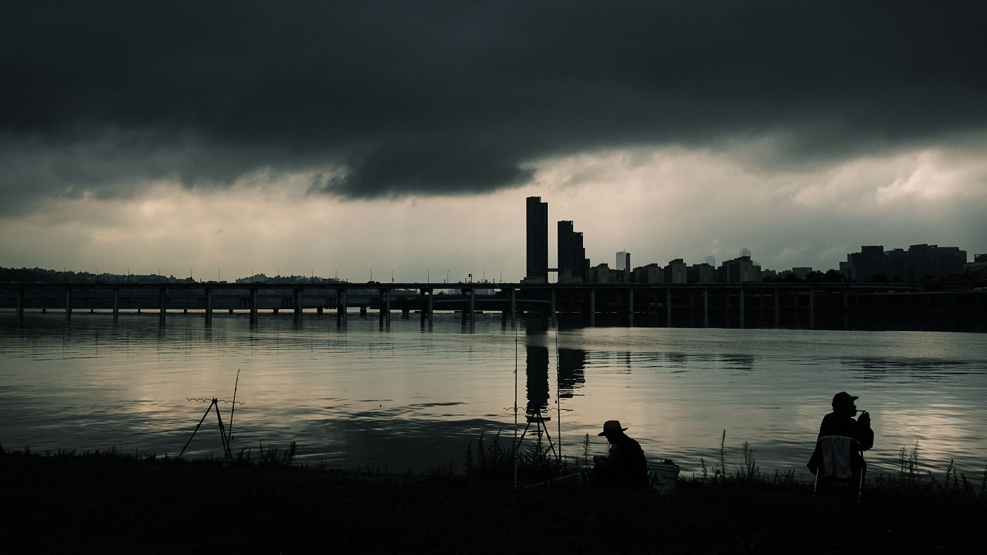 Fishermen and Floods - Han River, Seoul