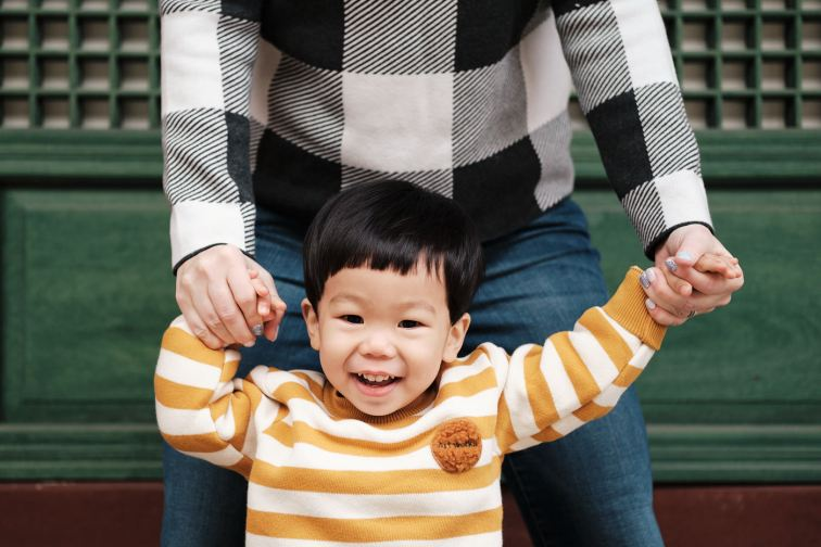 Mother and Son - Winter Family Photos in Seoul