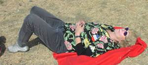 needtono snoozes in the sun