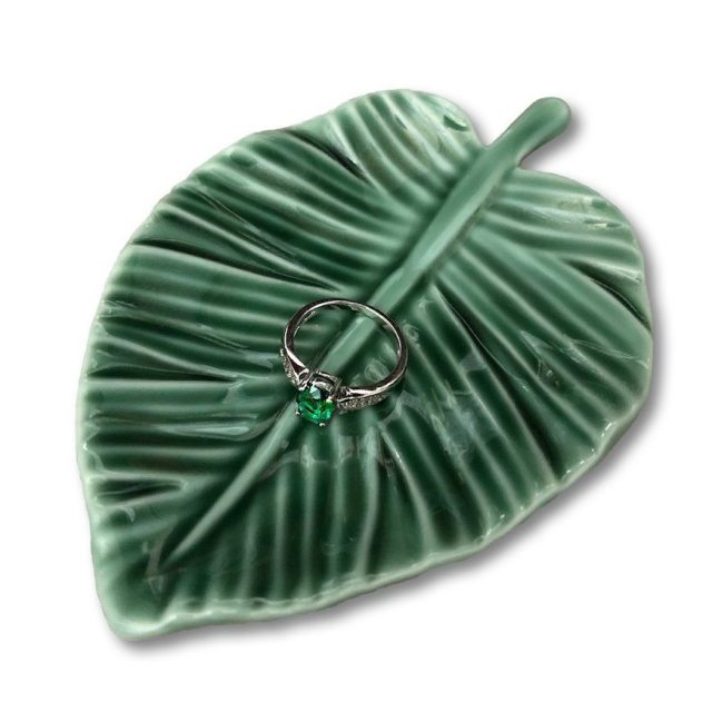 leaf jewelry tray