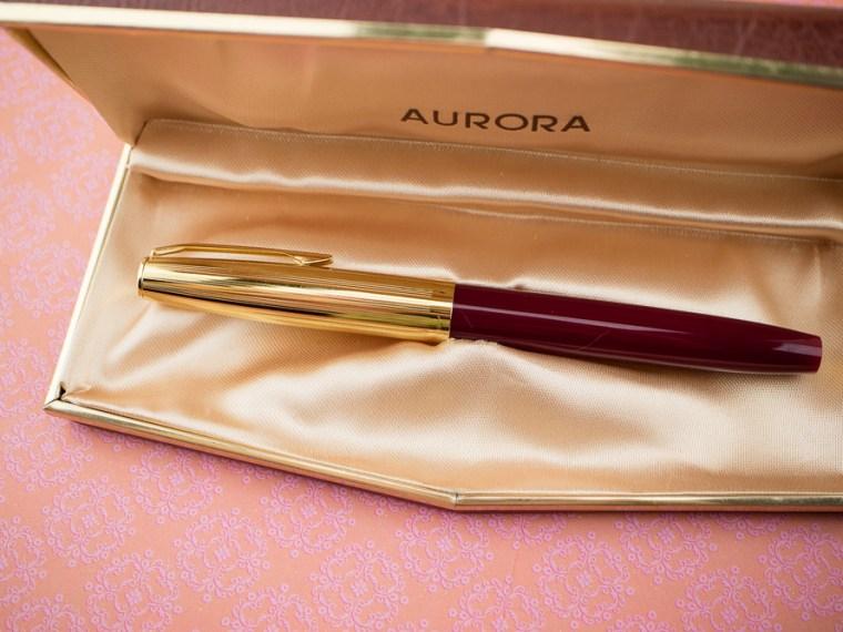Fountain Pen Review: Aurora Duo Cart (& Robert Oster Soda Pop Blue)