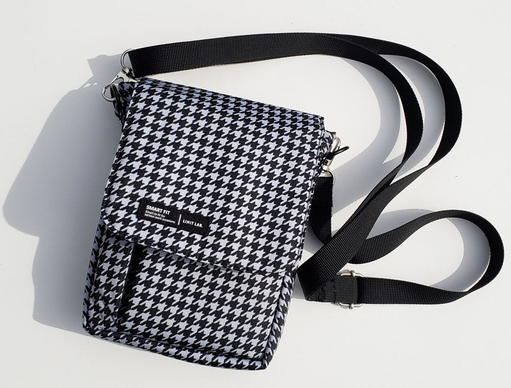 Lihit Lab A6 pouch with strap