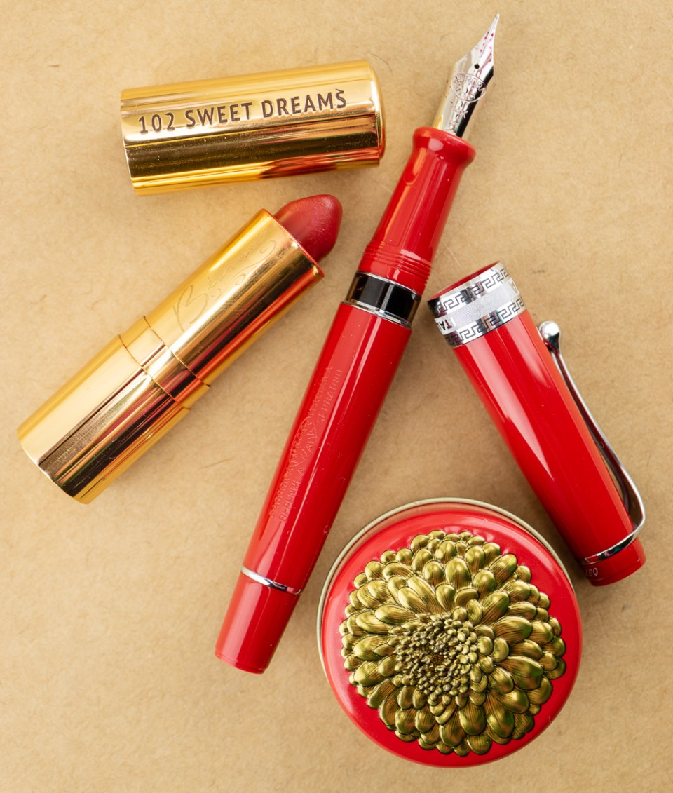 Aurora Optima Flex in Lipstick Red