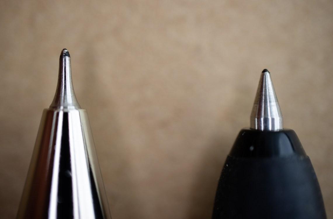 Uni Signo RT vs Signo Needle