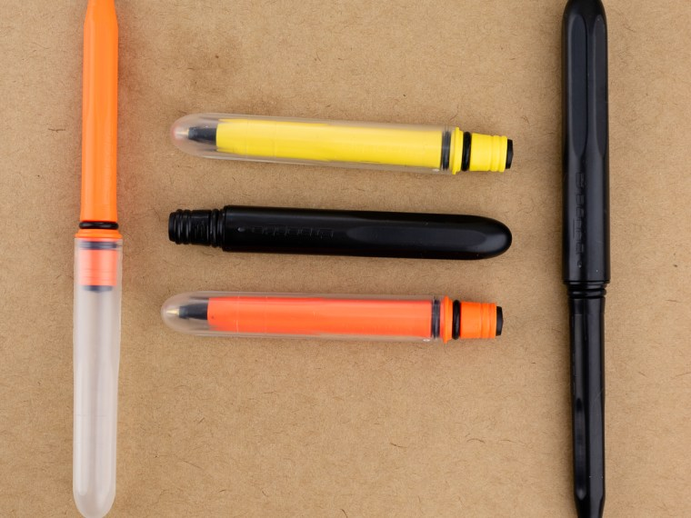 Pen Review: Pokka Pen (and Giveaway)