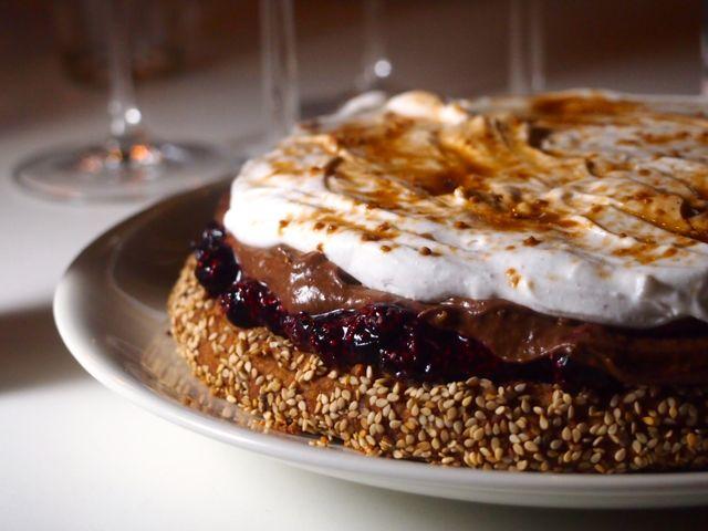 Mustikka-suklaakakku kookoskermalla / Wellberries