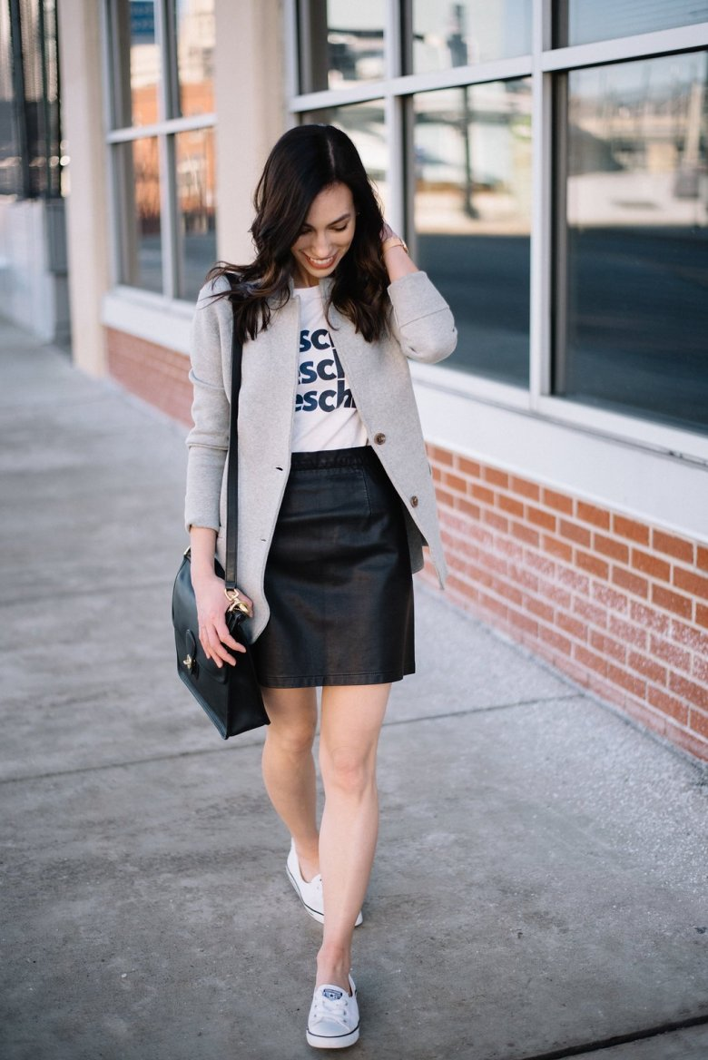 jcrew sweater blazer-@wellesleynking-wellesley and king  | How to style a sweater blazer featured by top Pittsburgh fashion blog, Wellesley & King: image of a woman wearing a Crew grey sweater blazer, Crew graphic tee and a Vera Bradley clutch
