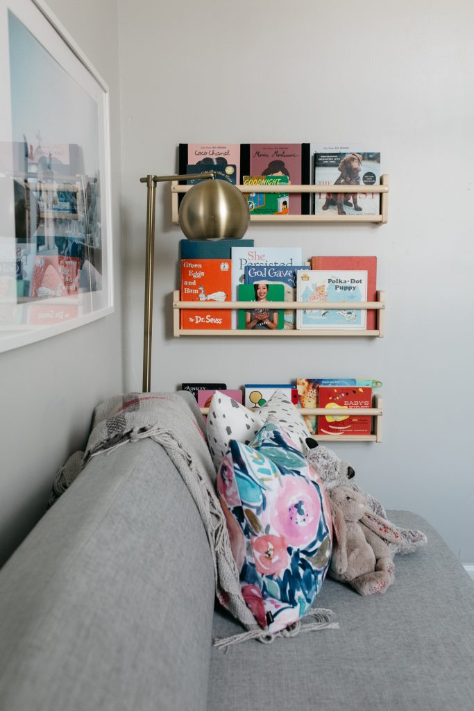 minimal nursery decor-wellesley and king blog-ikea bookshelf