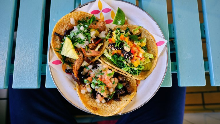 Sofishticated Tacos – Easy Tropical Fish Tacos Recipe