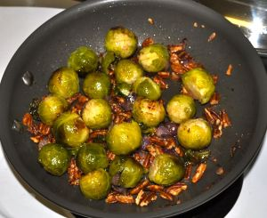 Weekly Recipe – Brussels Sprouts with Toasted Pecans