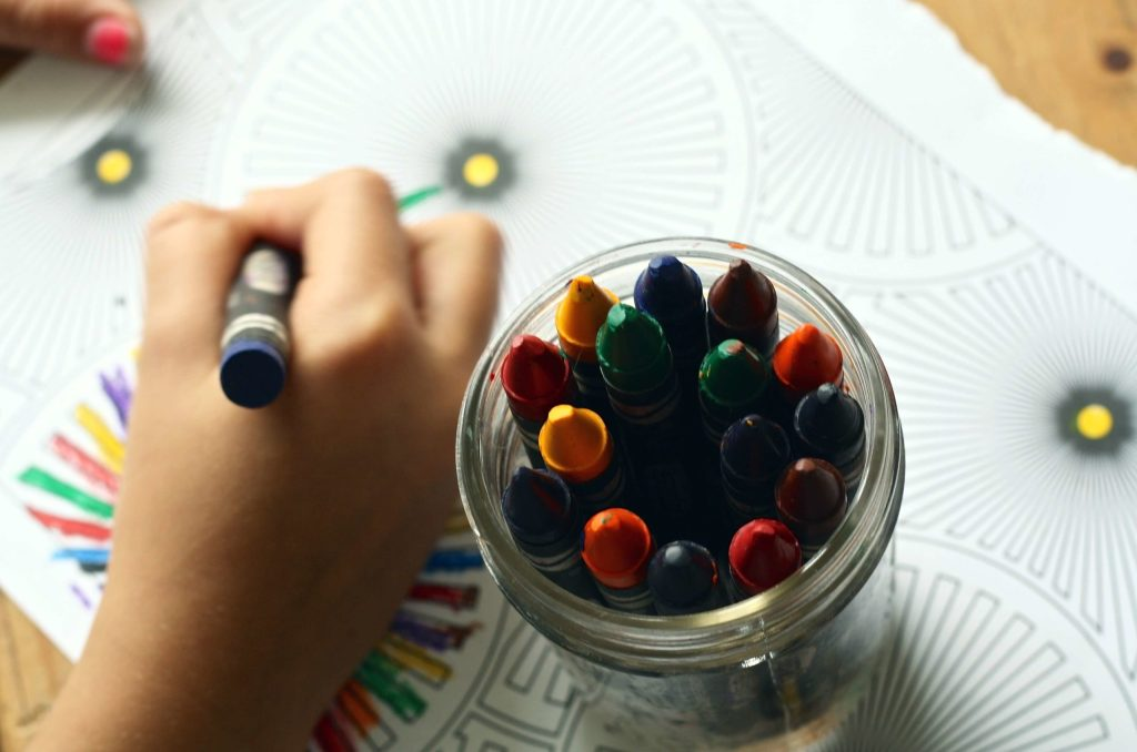 How to Help Children Make a Working Kaleidoscope for Preschool