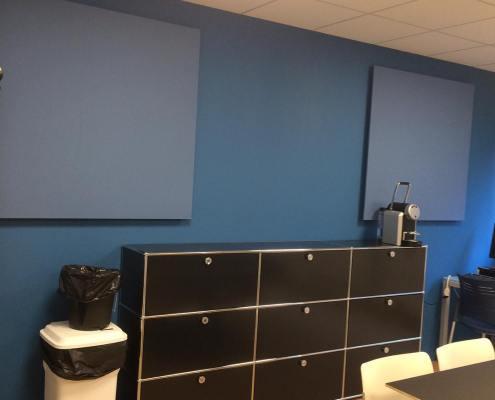Panneau acoustique bleu mural