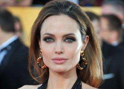 Голливудская звезда Анджелина Джоли примерит образ императрицы Екатерины II