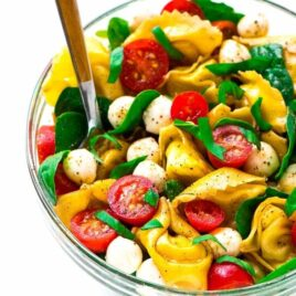 Caprese Pasta Salad with balsamic, tortellini, and fresh basil. The perfect combination of flavors. A fresh and healthy cold pasta salad that's great for summer appetizers, sides, and light dinners. Easy recipe that's ready in 15 minutes! Recipe at wellplated.com | @wellplated
