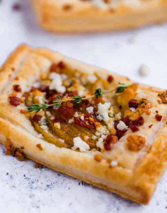 Pear tartlets with pancetta and blue cheese