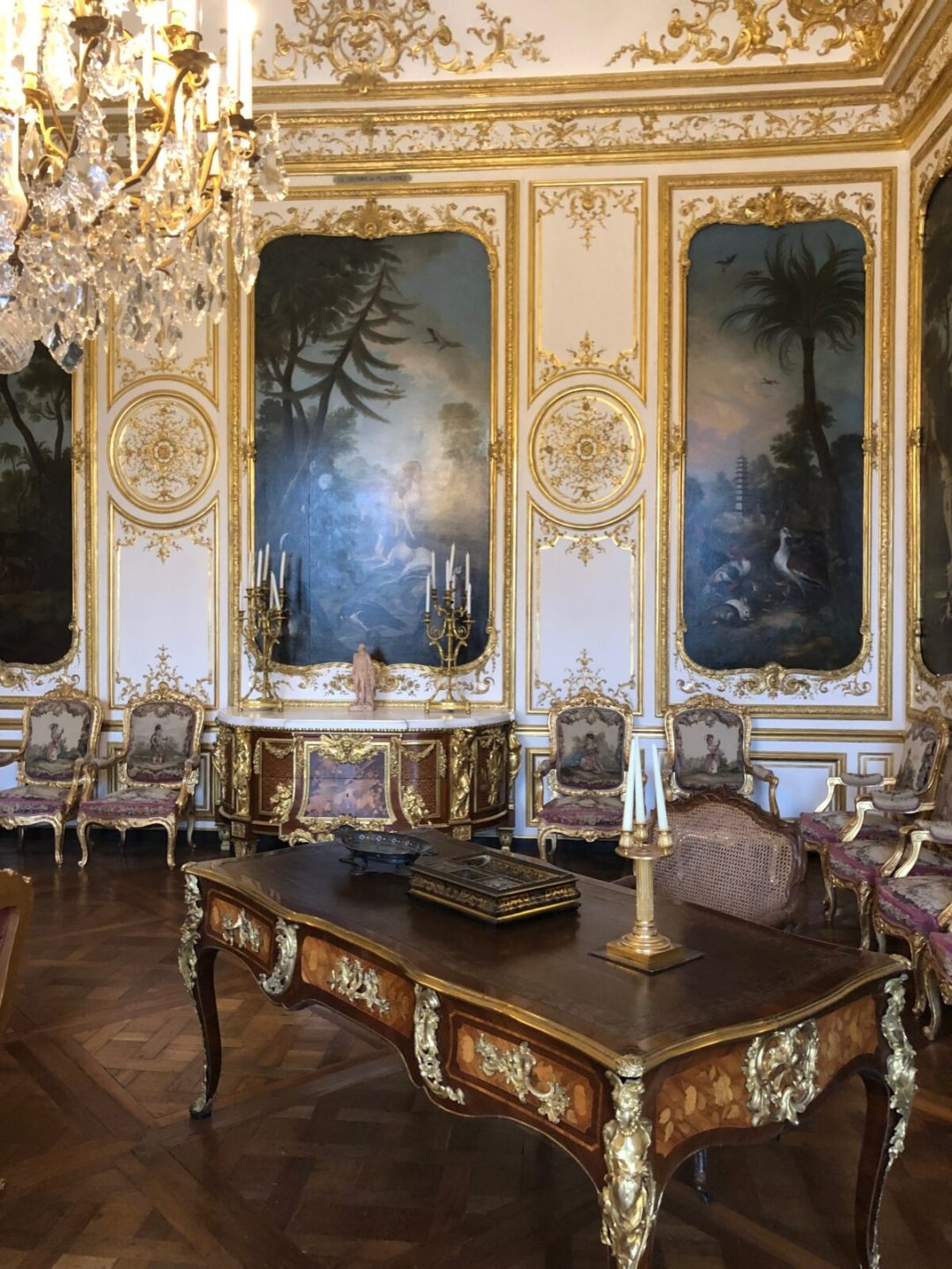 chateau de chantilly mobilier