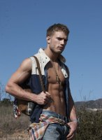 Jesse_Roberts-Tetu_magazine-gay-3