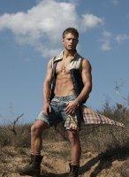 Jesse_Roberts-Tetu_magazine-gay-8