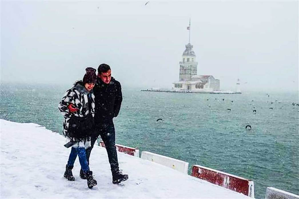 Couple Maiden Tower Snow Istanbul