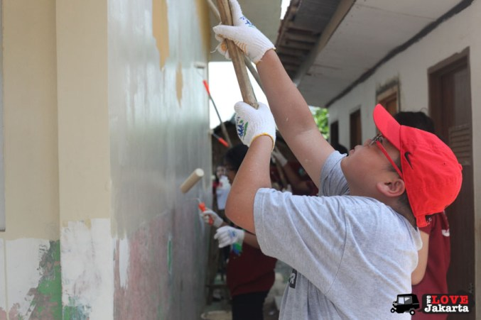tasha may_welovejakarta_we love jakarta_Habitat for Humanity_Sentul_Aku bangun Indonesia_NGO Jakarta_local Indonesian kids in the village_Volunteers Jakarta