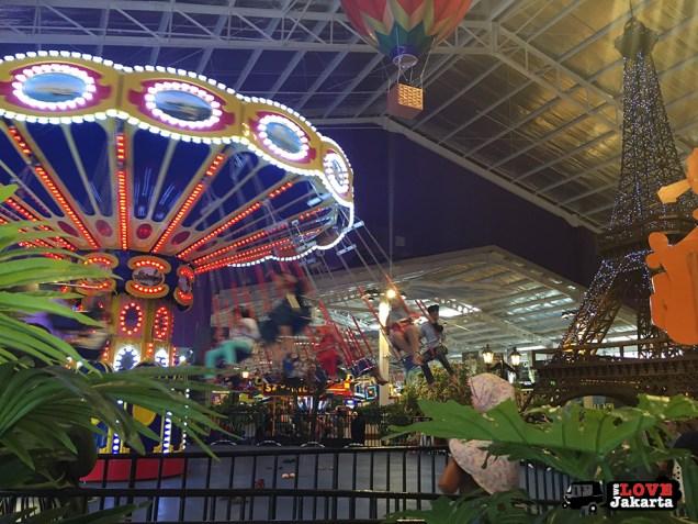 Tasha May_welovejakarta_KidCity Carrefour Transmart Cilandak_Jakarta with kids_The Paris Swing