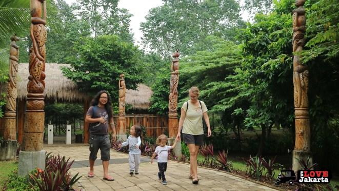 Tasha May_Treen May_Ecopark Ancol_peddle car_Jakarta indonesia_Faunaland