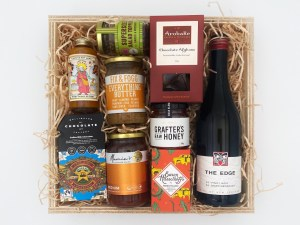 Wild About Wellington Gift Box With Pinot Noir