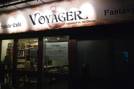 Voyager Bonn Spielecafe Spielekneipe Fantasy viele Brettspiele ungewöhnliche Bar Bonn