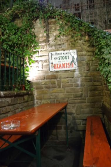 Biergarten Quiet Man Bonn guter Irish Pub Kneipe Weststadt gute kneipe für ein Date schönster Pub in Bonn